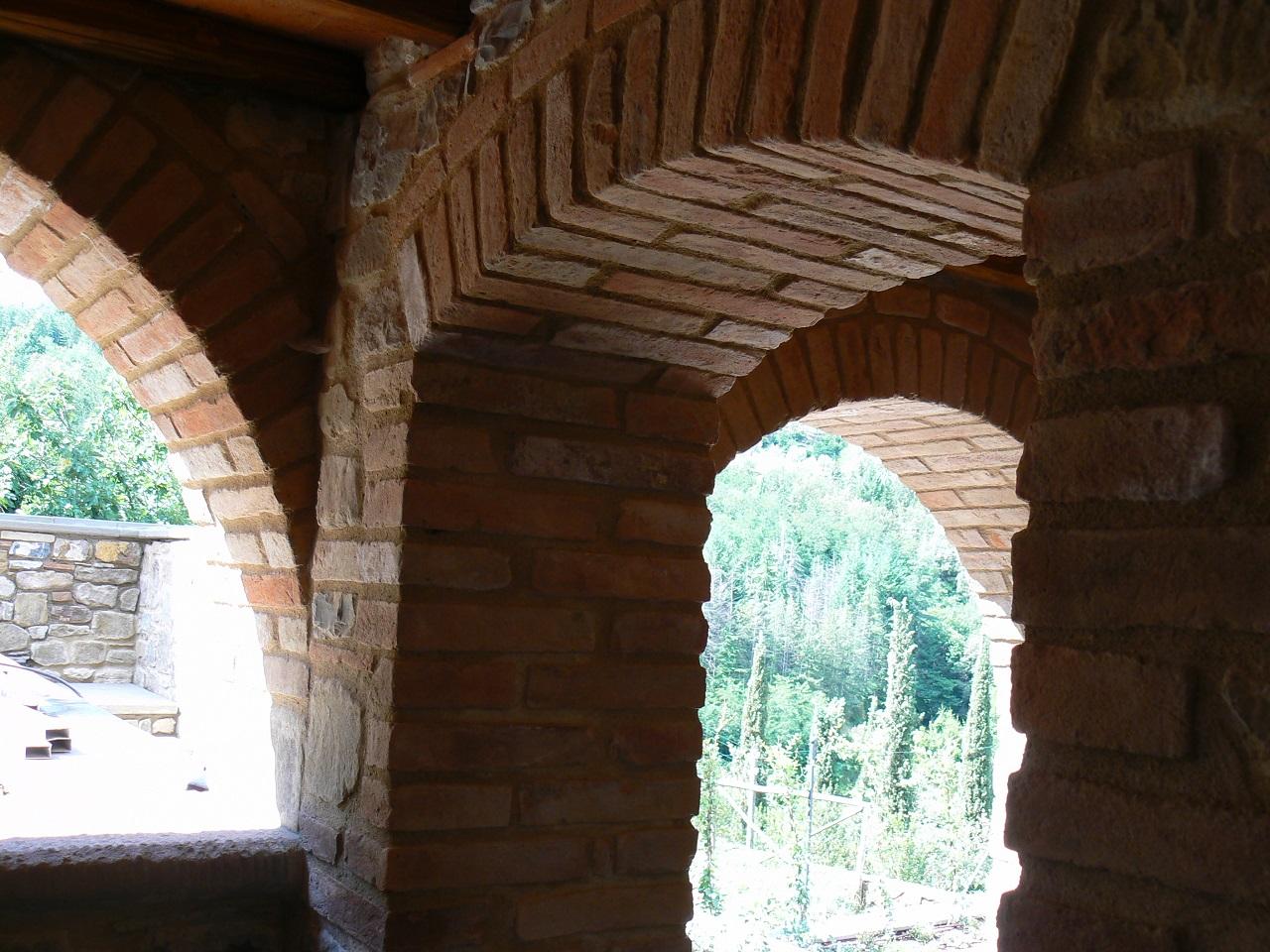 Archi in archi in mattoni best prima dei lavori arco - Archi in gesso per interni ...