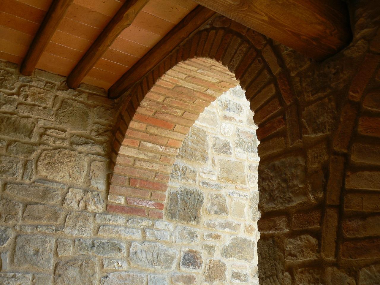 Archi in mattoni e pietra edil immobilare gaiole for Mattoni e pietra americani